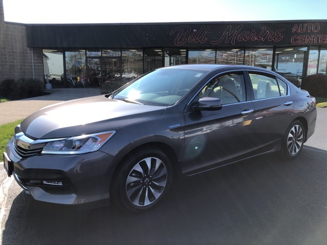 Pre-Owned 2017 Honda Accord Hybrid